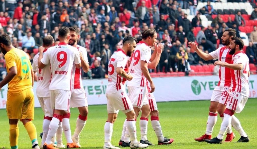 Samsunspor, evinde Şanlıurfaspor'u 5-0 yendi