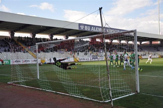 Afyonspor, sahasında GMG Kırklarelispor ile 2-2 berabere kaldı