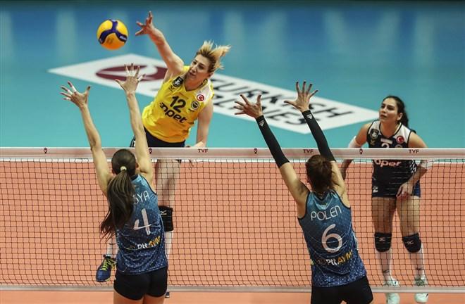 Fenerbahçe Opet, deplasmanda PTT'yi 5 sette geçti!
