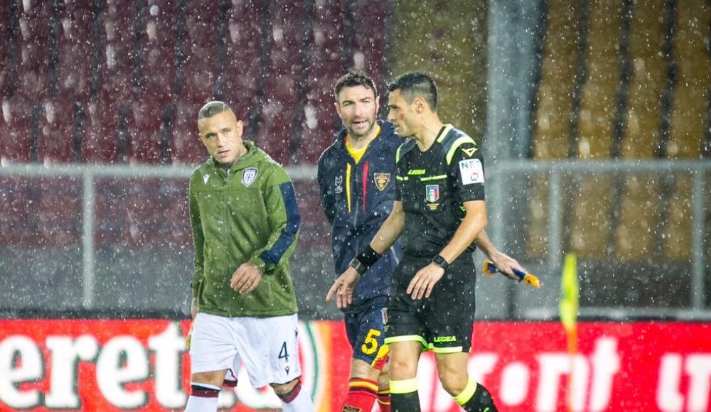Lecce - Cagliari maçı ertelendi