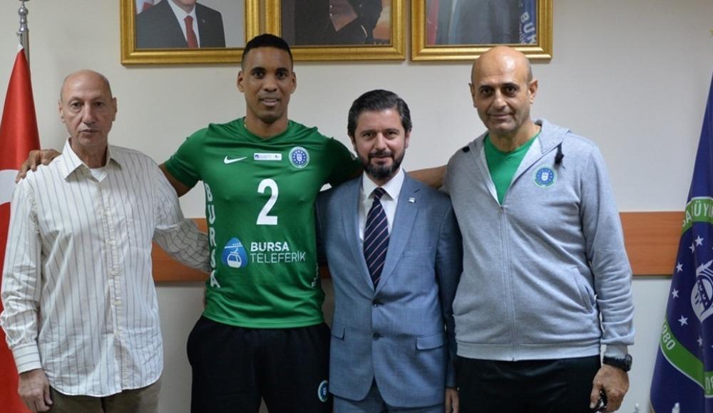 Bursa Büyükşehir Belediyespor, Kübalı voleybolcu Marshall'ı transfer etti