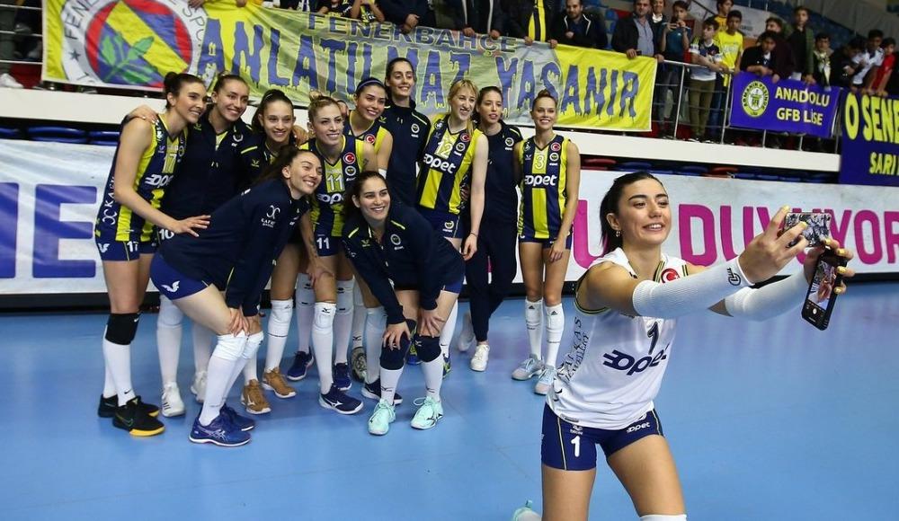 Fenerbahçe Opet, Karayolları'nı 3-0 yendi