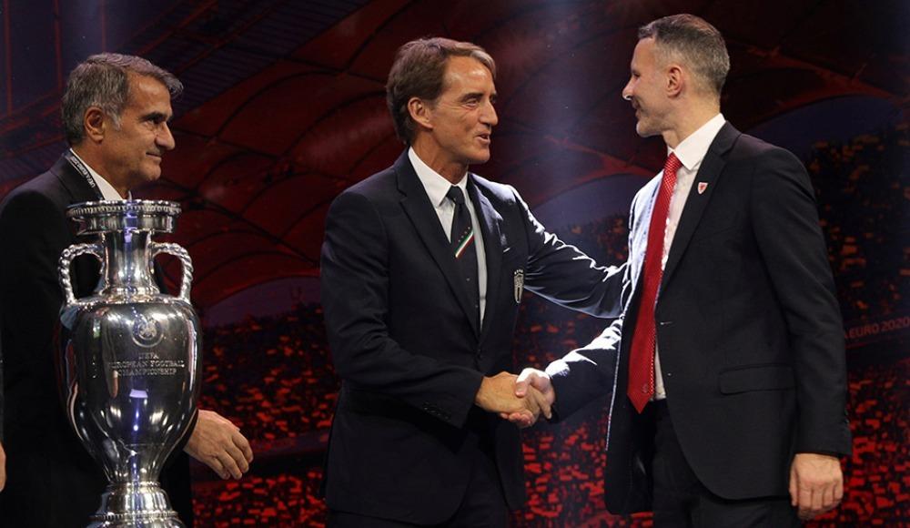 Ryan Giggs ve Roberto Mancini'den grup açıklaması!