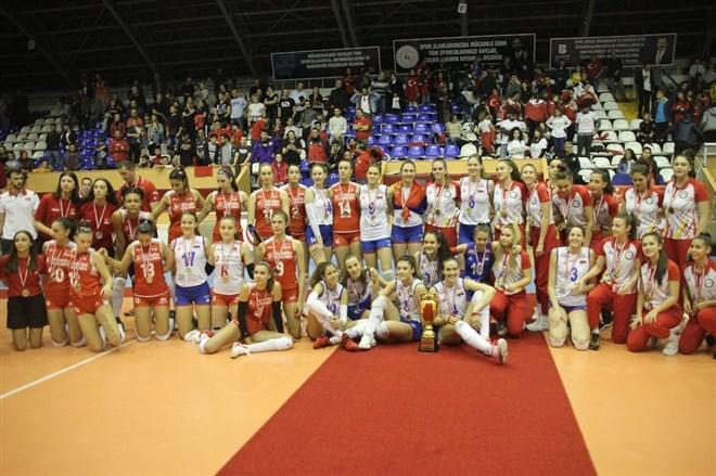 Milliler, 17 Yaş Altı Kızlar Avrupa Şampiyonası'nı gümüş madalya ile tamamladı