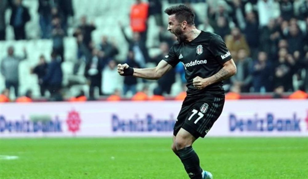 Gökhan Gönül (Beşiktaş)