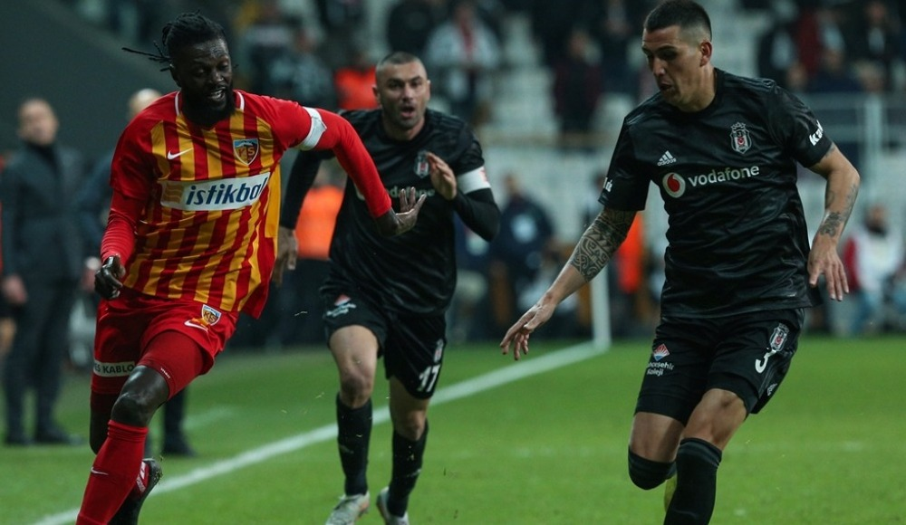 """Adebayor'den flaş açıklama: """"Bugün Kayserispor'dan ayrılıyorum"""""""
