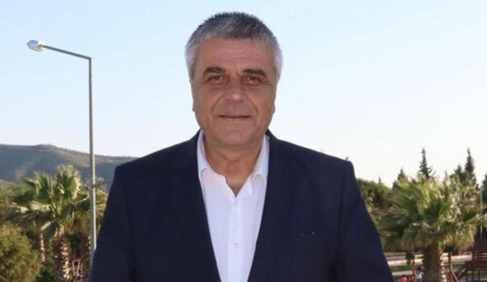 Akhisarspor'da başkan Eryüksel görevini devretti...