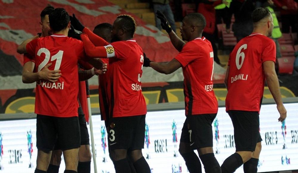 Eskişehirspor, sahasında Ümraniyespor'u 3-1 ile geçti!