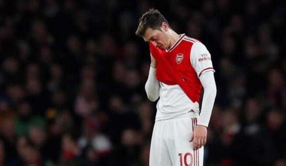 Mesut Özil, Brighton maçında çıldırdı