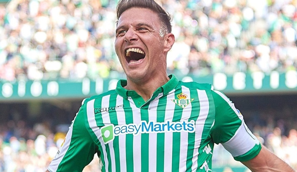 Joaquin'den tarihi hat-trick! La Liga'da..