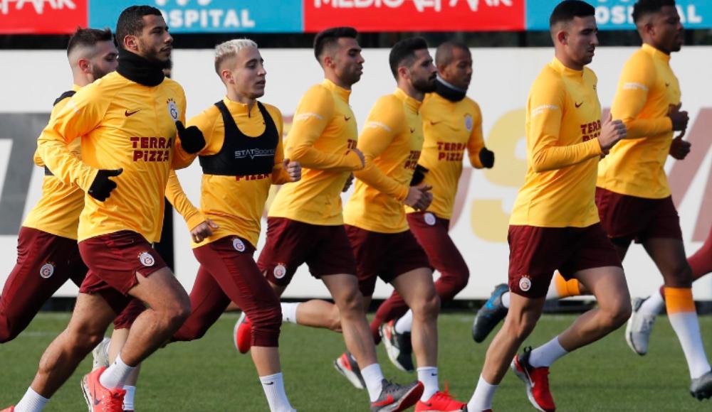 Galatasaray, Paris'e 16 kişiyle gidiyor!