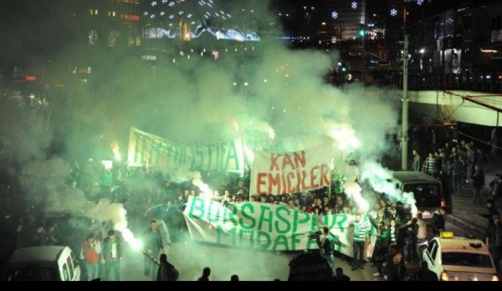 Bursaspor'lu taraftarlardan destek yürüyüşü!
