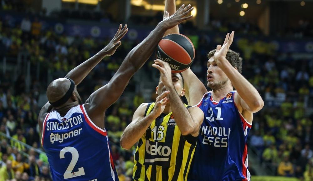 Fenerbahçe Beko, Anadolu Efes maçlarında zorlanıyor!