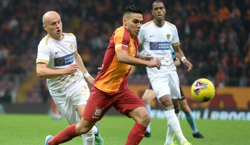 Galatasaraylı futbolculardan aut itirazı