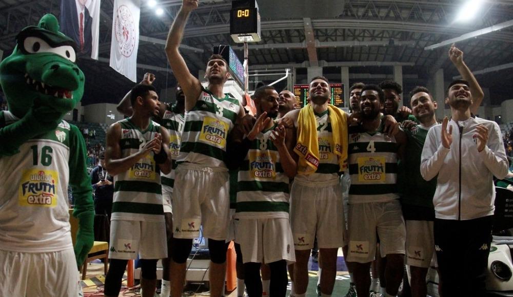 Bursaspor, sahasında Bahçeşehir Koleji'ni 79-78 yendi