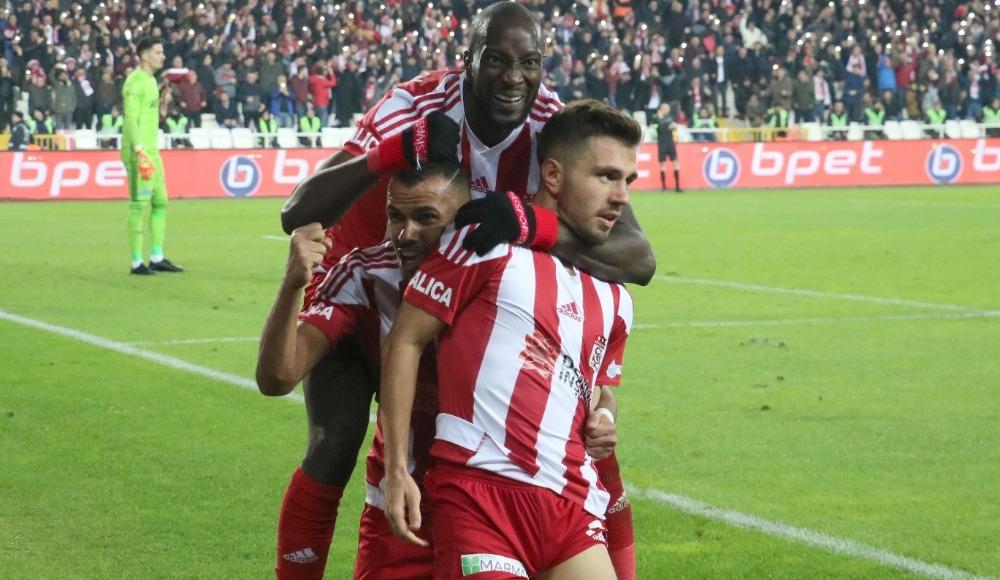 Fernando ve Emre gol sayısını 6'ya yükseltti