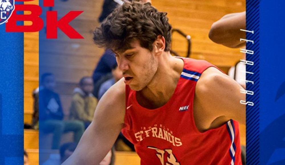 NCAA'de forma giyen genç basketbolcu Deniz Çelen'in hedefi Avrupa