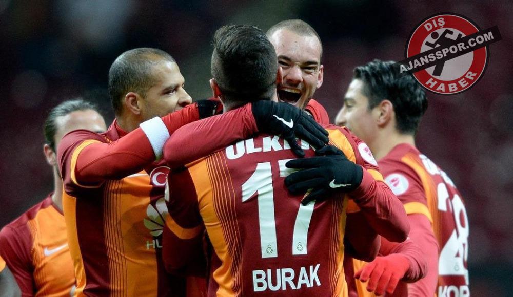 Wesley Sneijder, Jübile maçına Burak ve Selçuk İnan'ı davet etti!