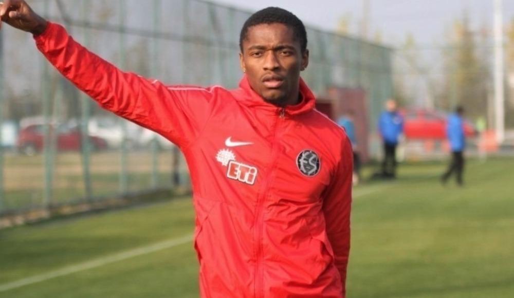 Transferin gözde ismi Jesse Sekidika Eskişehirspor kampına dahil edildi