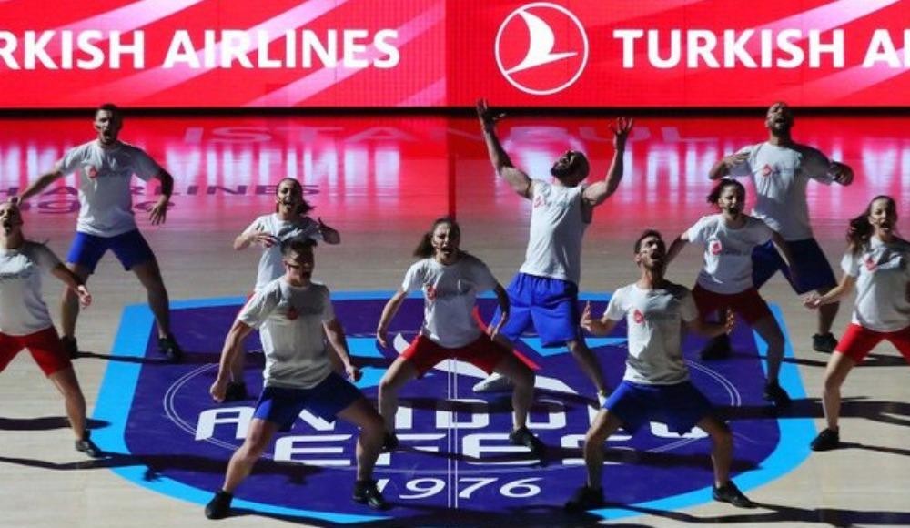 'Kan Kanseri Mücadele Dansı' büyük alkış topladı