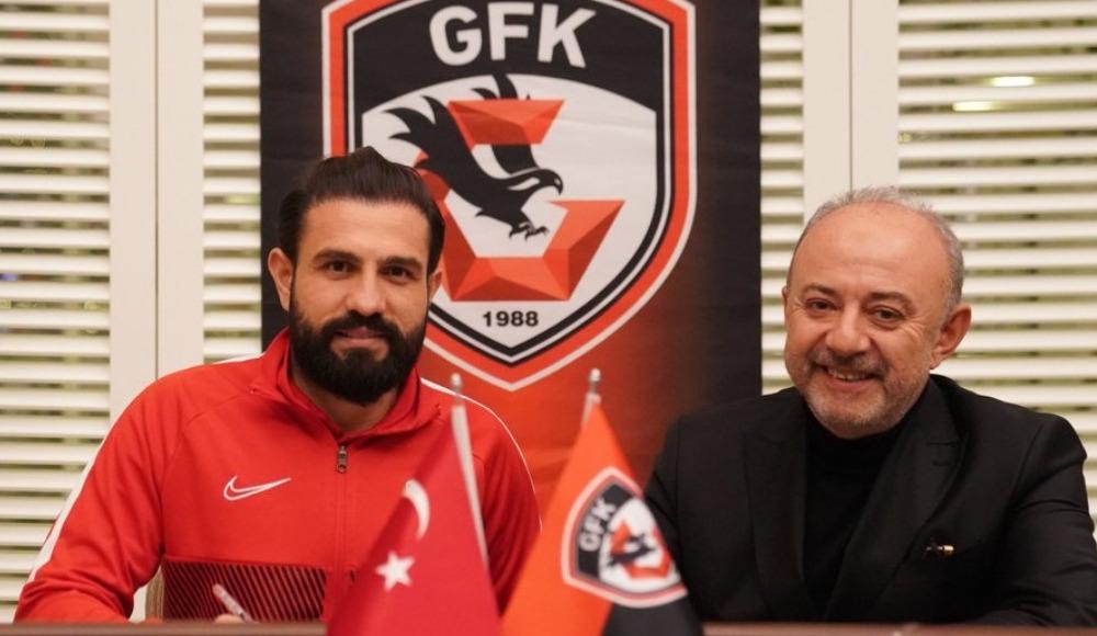 Gaziantep FK, Kenan Özer ve Oğuz Ceylan ile uzattı