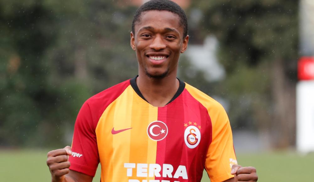 Jesse, Galatasaray'da kaldı!