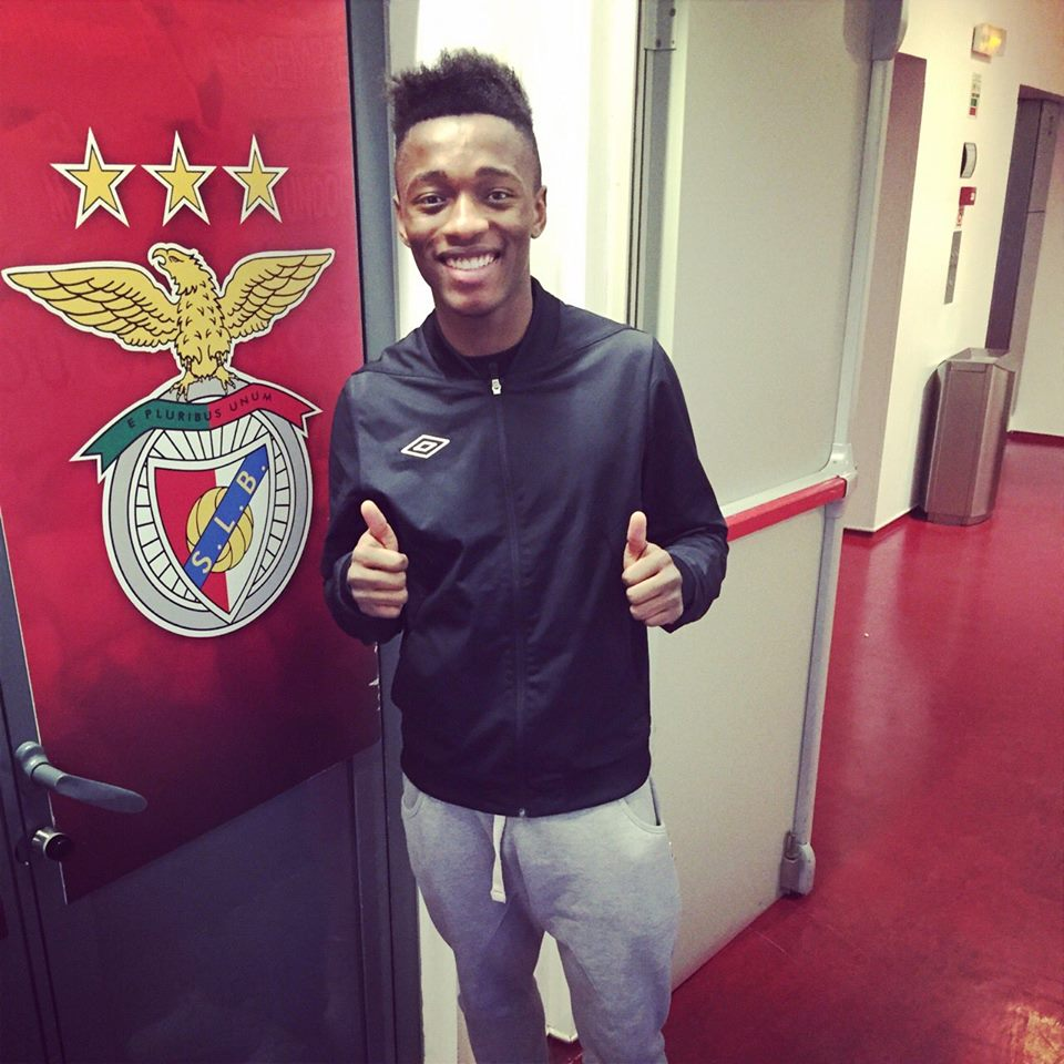 Transfer sezonun son saatlerinde Benfica ile sözleşme imzaladı