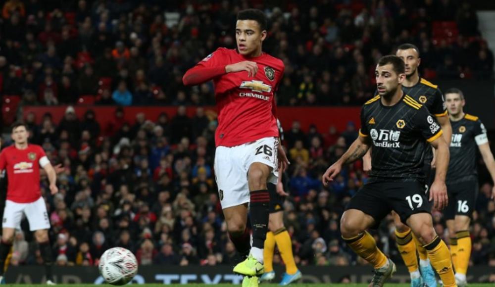 Manchester United tek golle kazandı!