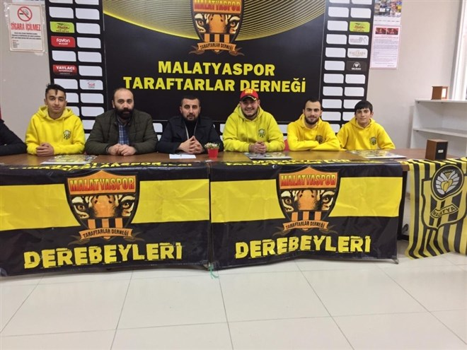 Malatyaspor'lu taraftarlardan 'takımımızın yanındayız' mesajı!