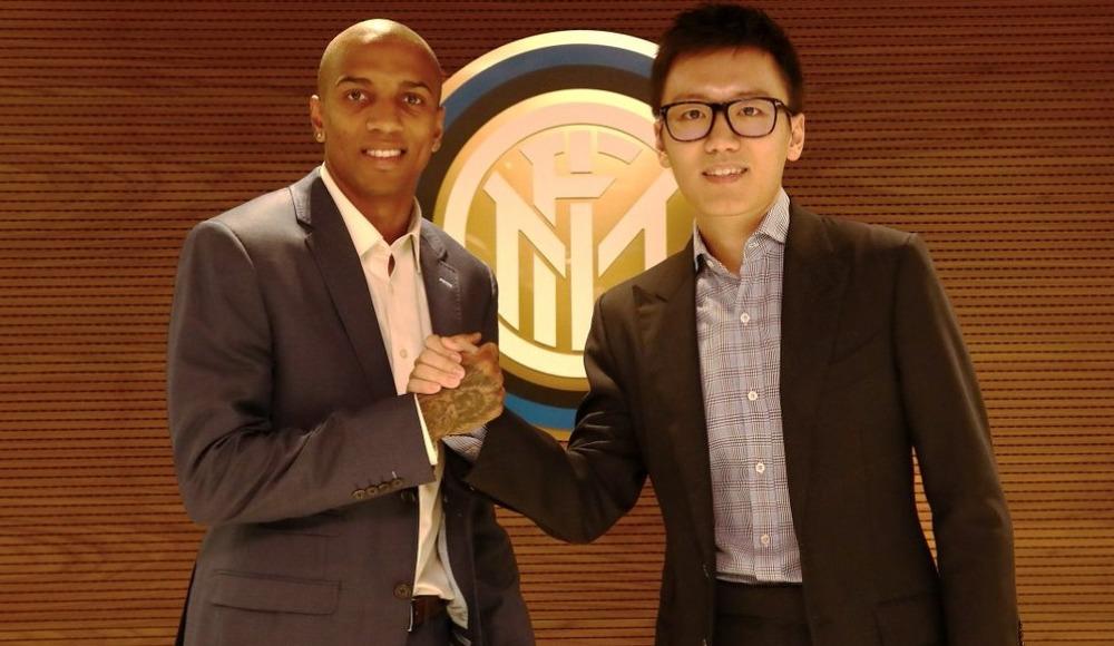 Inter, Ashley Young'ı kiralık olarak kadrosuna kattı