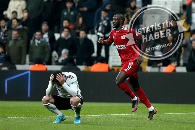 Sivasspor'dan bir ilk! Beşiktaş'ı aynı sezonda..