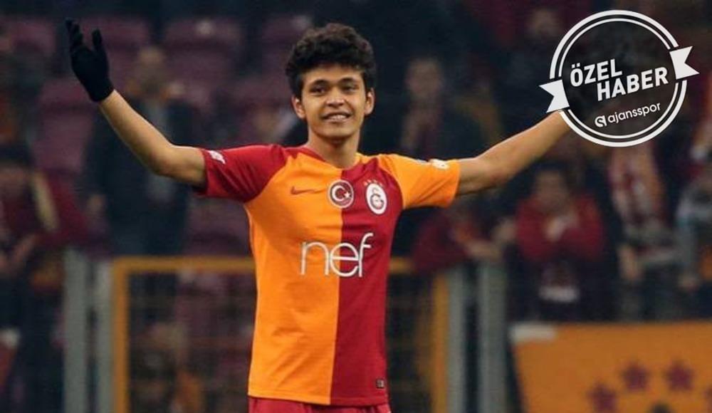 Galatasaray'a imza atmamak için direniyor...
