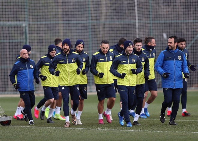 Fenerbahçe, Başakşehir'e bileniyor!