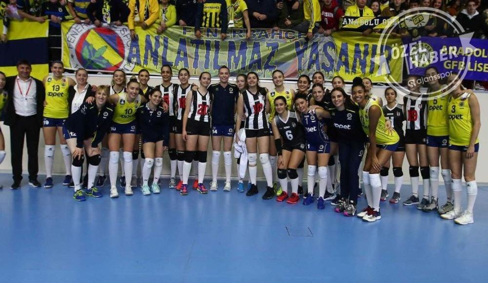 Beşiktaş altyapı oyuncularıyla çıktı, Fenerbahçe alkışladı!