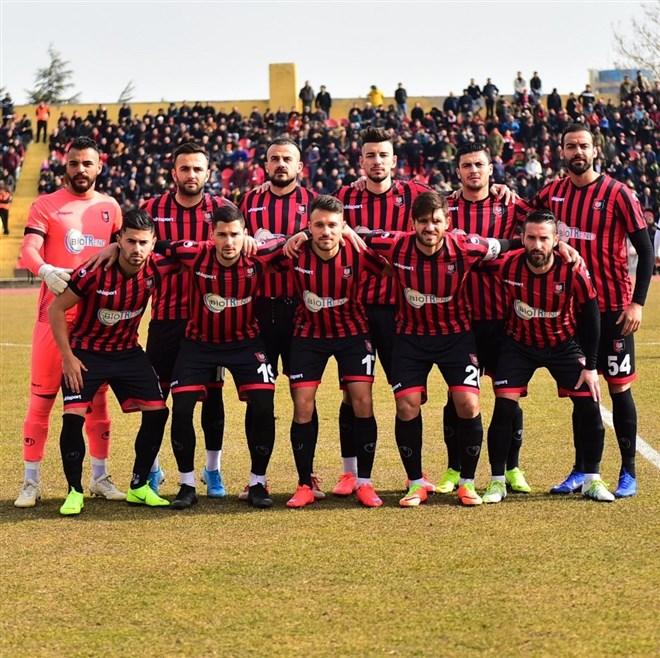 Uşakspor evinde Sakaryaspor ile 1-1 berabere kaldı