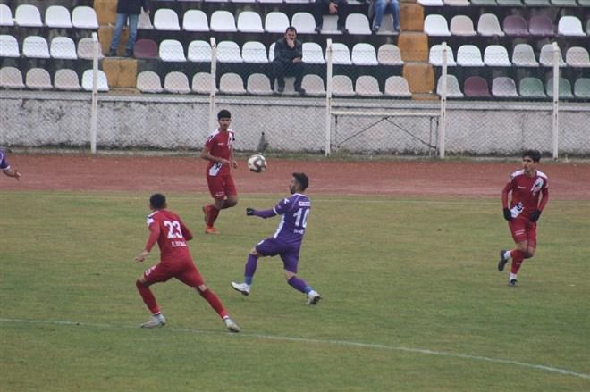 Tokatspor, sahasında Artvin Hopaspor'a 3-1 mağlup oldu