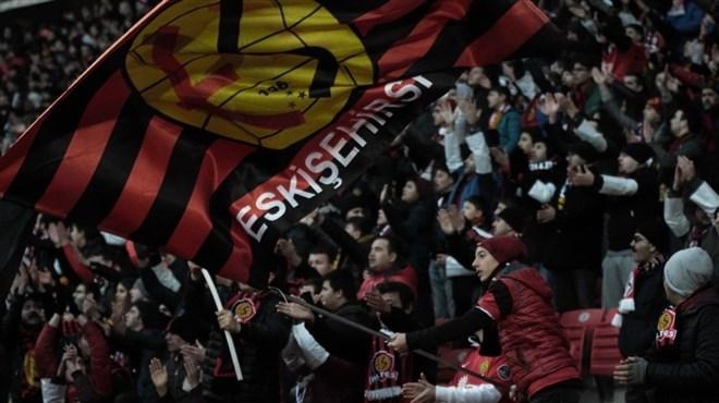 Bursa'da siyaha bürünen EsEs taraftarı Altınordu maçında kırmızıya bürünecek