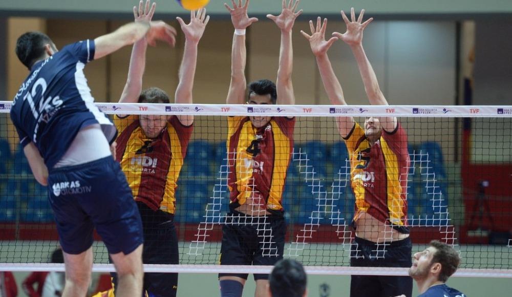 Arkas Spor, deplasmanda Galatasaray HDI Sigorta'yı 3-1 yendi