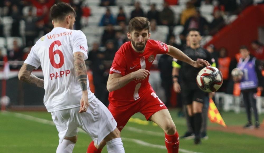 Doğukan Sinik'ten Fenerbahçe iddialarına yanıt