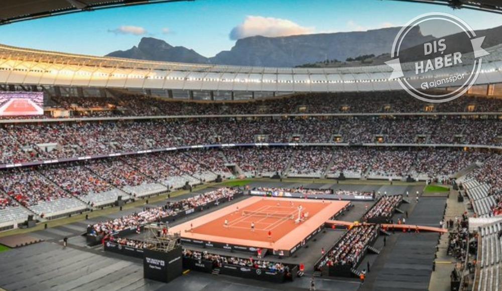 Roger Federer - Rafael Nadal gösteri maçına çıkıyor