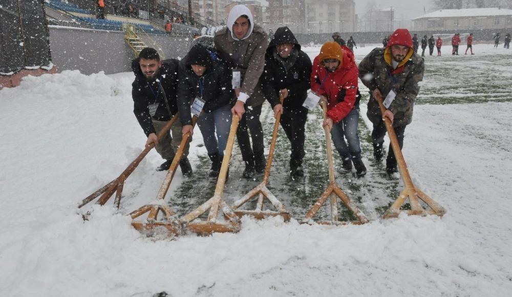 Beş maça kar engeli!