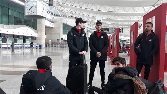Keçiörengücü, otobüs ile Erzurum'a hareket etti