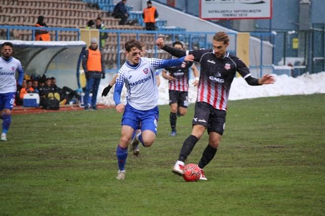 Kardemir Karabükspor, sahasında Kastamonuspor ile yenişemedi