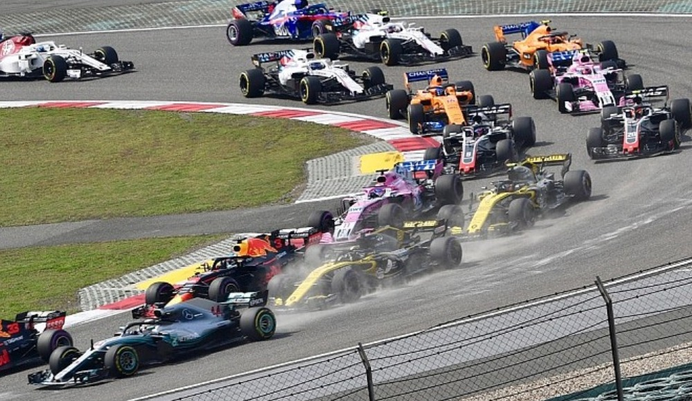 F1'de 3 yarış daha ertelendi