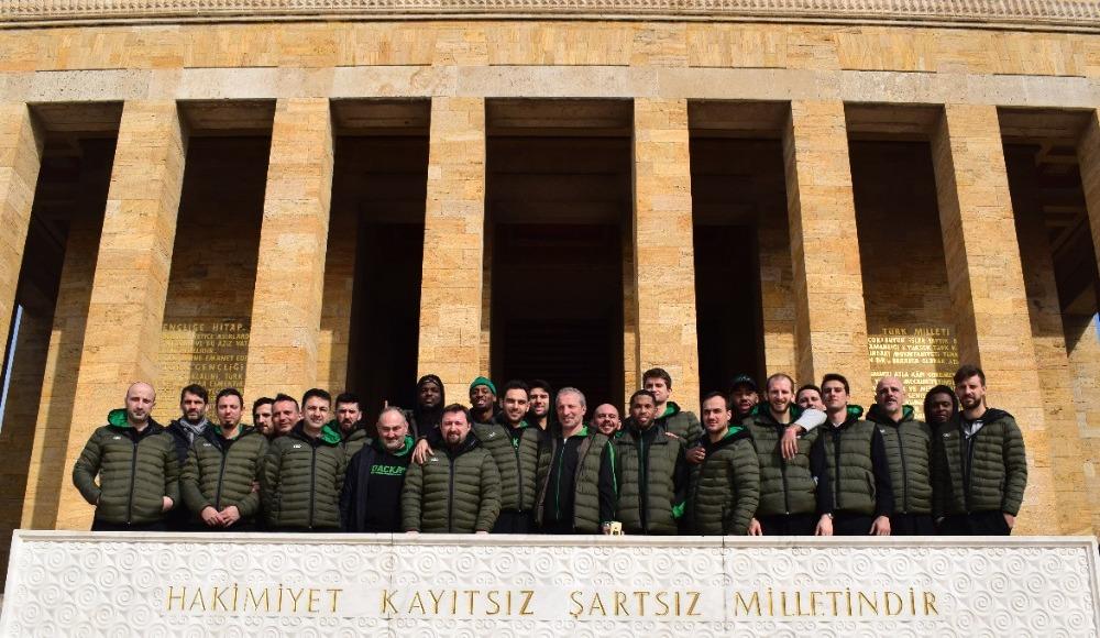 Darüşşafaka Tekfen'den Atatürk'e ziyaret
