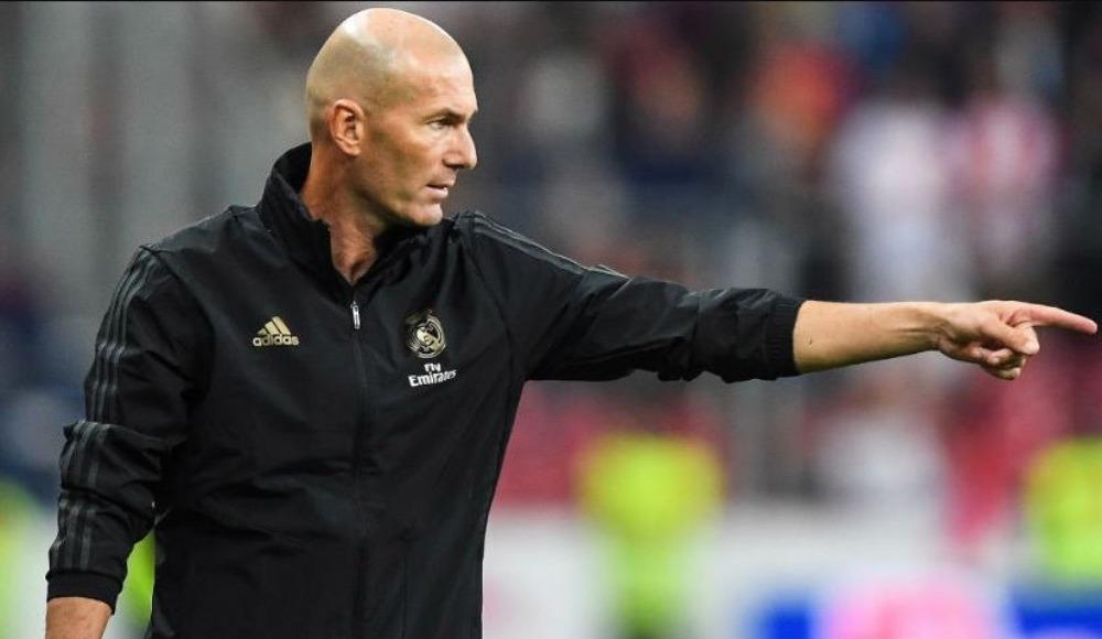 6. Zinédine Zidane - Real Madrid - yaklaşık 12 Mil. €
