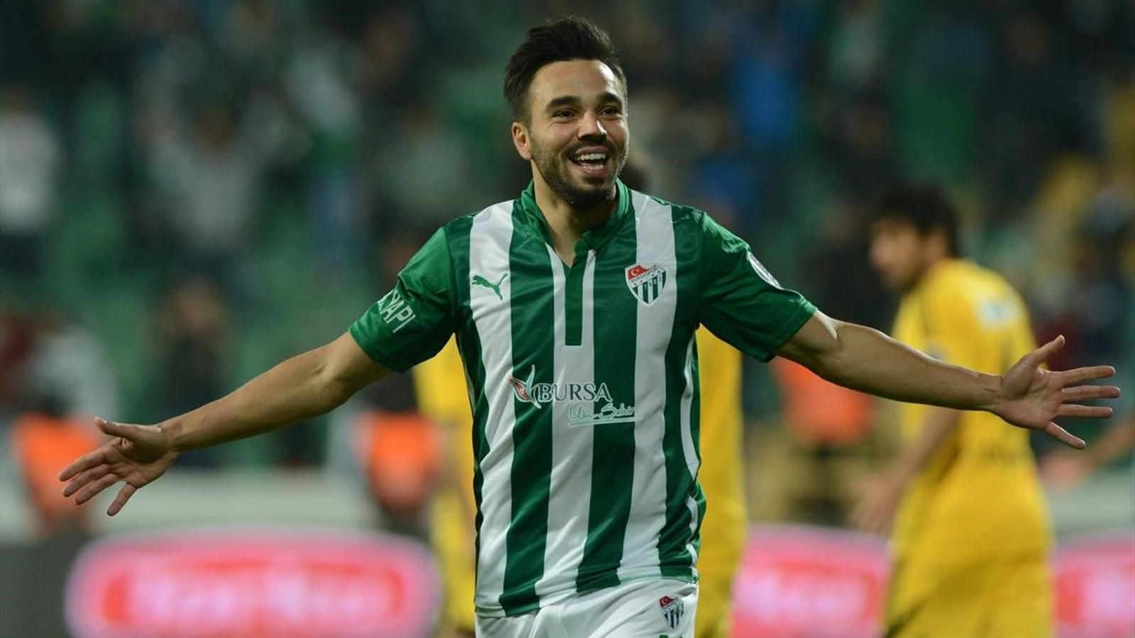 Bursaspor'dan Fenerbahçe'ye transfer olmuştu