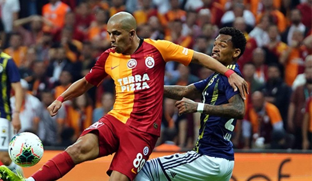 Galatasaray da Fenerbahçe'yi geçti