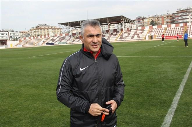 "Mehmet Altıparmak: ""12 maç sonra Süper Lig'e çıkacağız"""