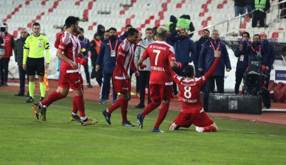 Mert Hakan Yandaş'ın Alanyaspor'a karşı gol sevinci olay oldu
